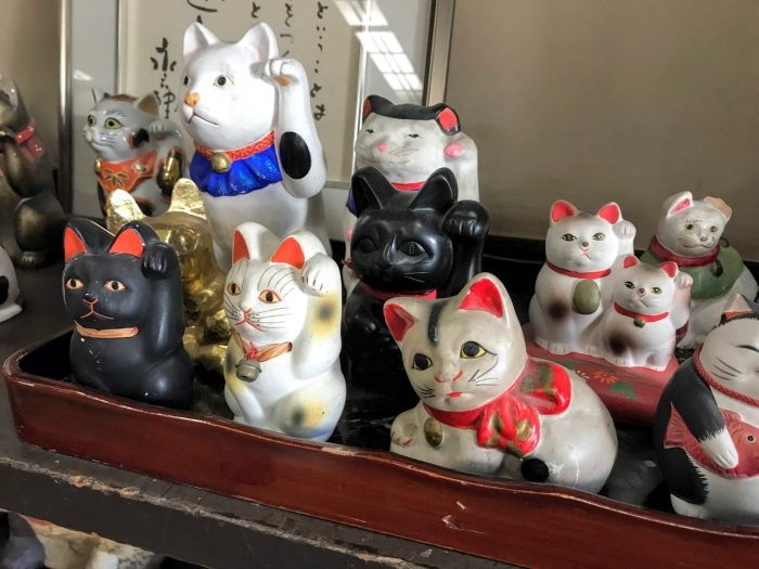 azumaya cats 700x525 - The Three Great Noodles of Morioka, Japan
