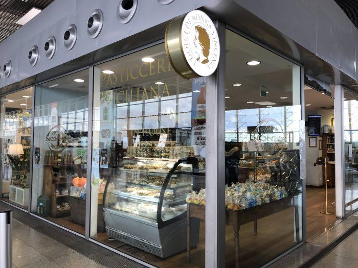 i dolci di nonna vincenza catania airport 700x525 - Five great places for cannoli in Catania, Sicily