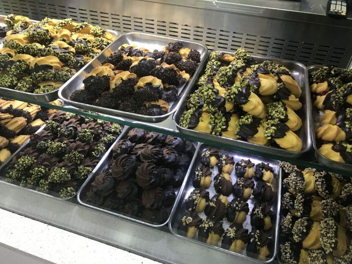 pasticceria sottile cookies catania 700x525 - Five great places for cannoli in Catania, Sicily