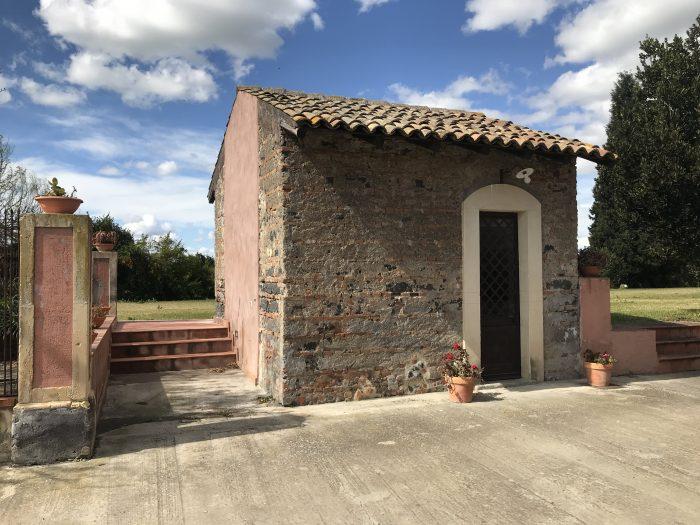 tenuta del gelso catania 700x525 - Orange groves & wine tasting at Tenuta Del Gelso in Catania, Sicily