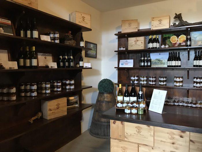 tenuta del gelso shop 700x525 - Orange groves & wine tasting at Tenuta Del Gelso in Catania, Sicily