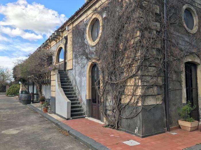 tenuta del gelso villa 700x525 - Orange groves & wine tasting at Tenuta Del Gelso in Catania, Sicily