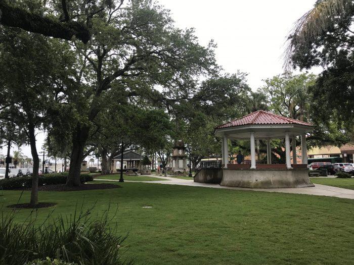 plaza de la constitucion st augustine 700x525 - A weekend trip to St. Augustine, Florida
