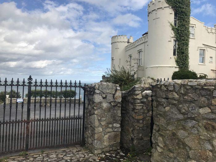 cliff castle dalkey coastal walk 700x525 - A day trip from Dublin to Dalkey, Ireland