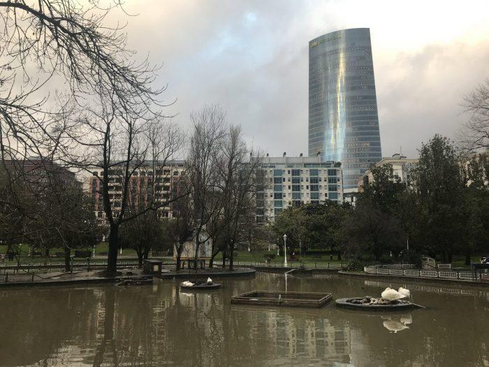 dona casilda iturrizar park duck pond 700x525 - Bilbao Fine Arts Museum