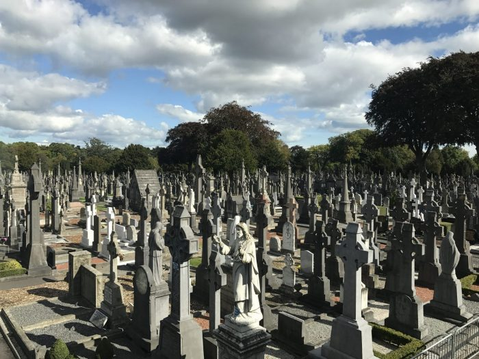 glasnevin cemetery dublin 700x525 - Glasnevin Cemetery - The final resting place for many famous Dubliners