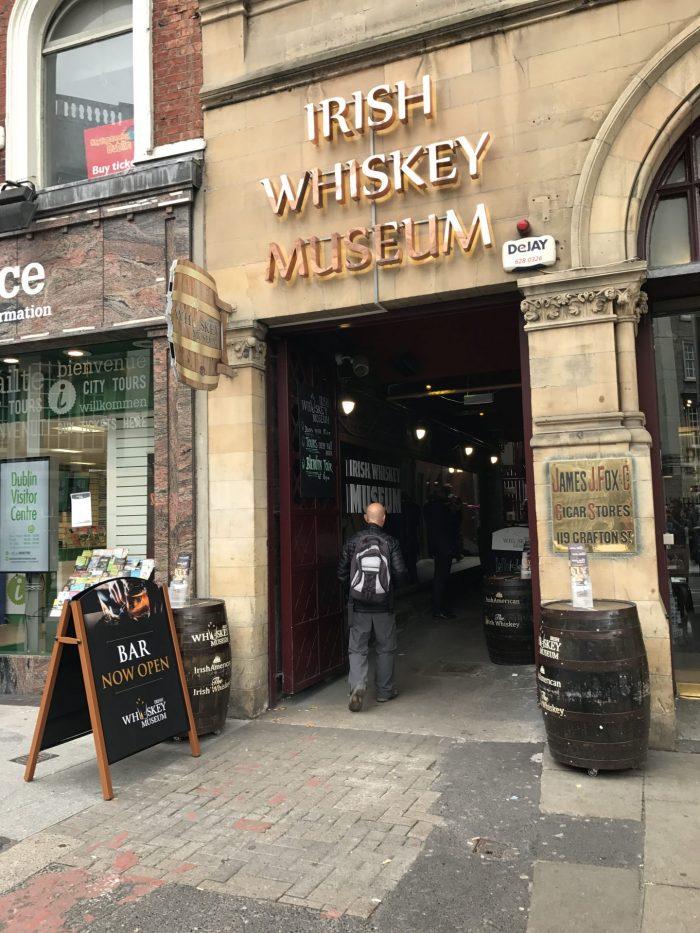 irish whiskey museum dublin 700x933 - The guide to whiskey distilleries in Dublin, Ireland - Best tours & tastings