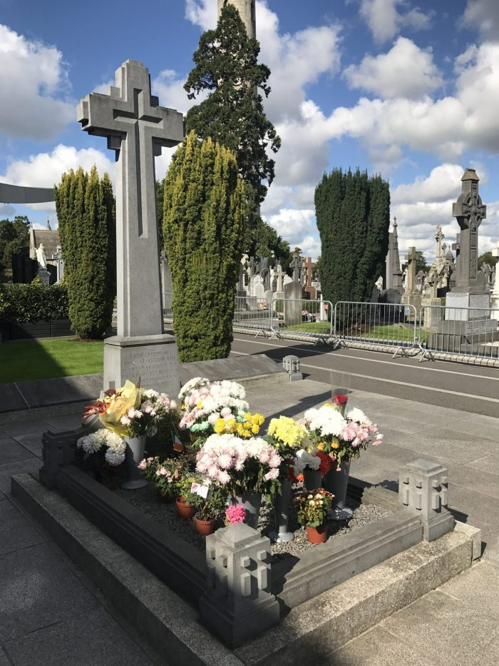 michael collins grave glasnevin cemetery 700x933 - Glasnevin Cemetery - The final resting place for many famous Dubliners