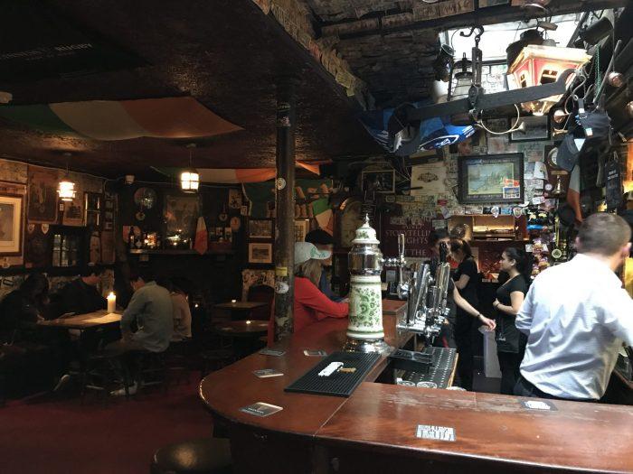 brazen head dublin craft beer 700x525 - 19 great places for craft beer in Dublin, Ireland