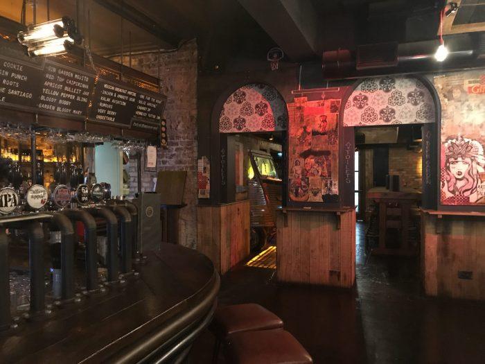 camden exchange dublin craft beer 700x525 - 19 great places for craft beer in Dublin, Ireland