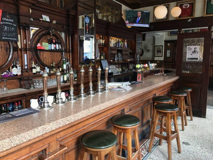 swan bar dublin craft beer 700x525 - 19 great places for craft beer in Dublin, Ireland