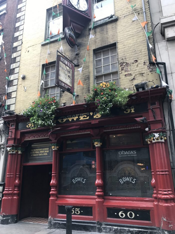 bowes dublin victorian pub 700x933 - The 16 Victorian pubs in Dublin, Ireland
