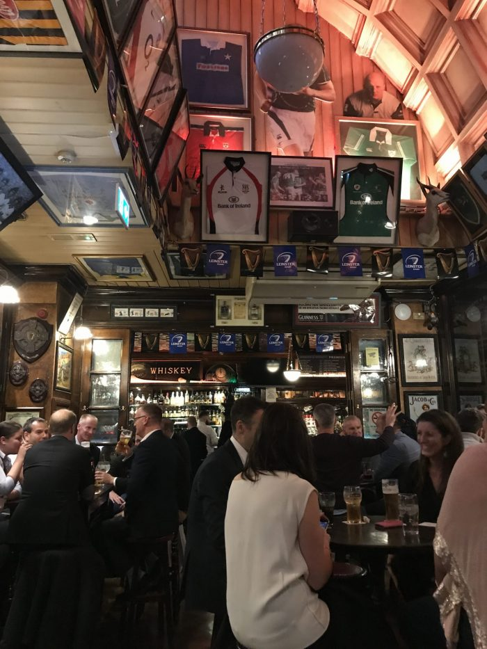 dohney nesbitt dublin victorian pub 700x933 - The 16 Victorian pubs in Dublin, Ireland
