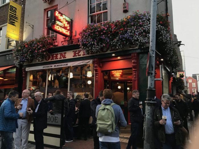 kehoes dublin victorian pub 700x525 - The 16 Victorian pubs in Dublin, Ireland