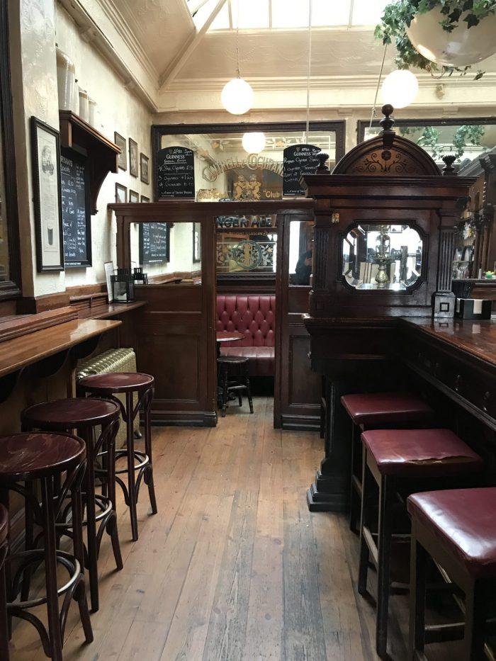 ryans dublin victorian pub 700x933 - The 16 Victorian pubs in Dublin, Ireland