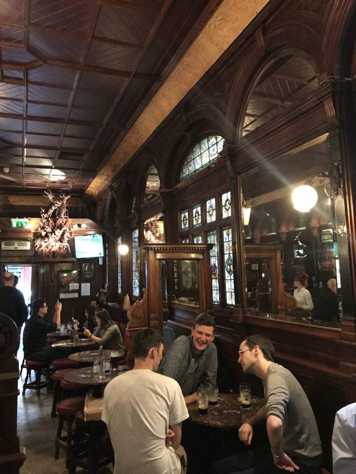 stags head dublin victorian pub 700x933 - The 16 Victorian pubs in Dublin, Ireland