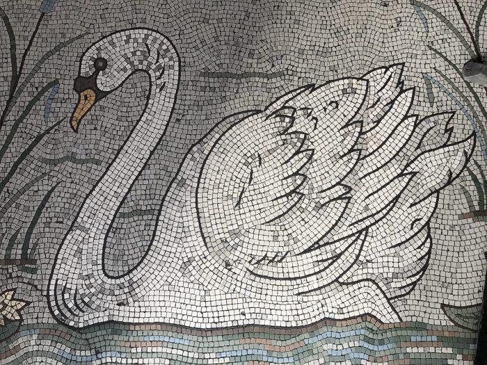 swan bar dublin victorian pub 700x525 - The 16 Victorian pubs in Dublin, Ireland